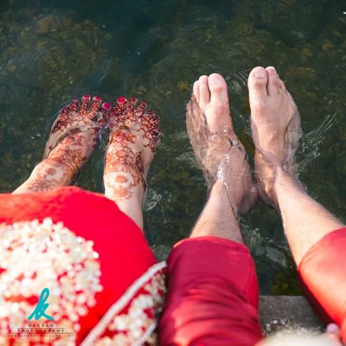 wedding-couple-dipping-feet-2.jpg