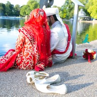 wedding-couple-dipping-feet